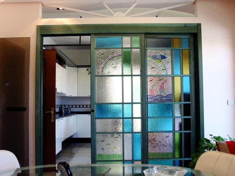 Vetrate artistiche solespazio tende da sole infissi e for Vetrate artistiche per porte interne