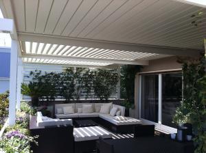 pergole-bioclimatiche-per-il-giardino